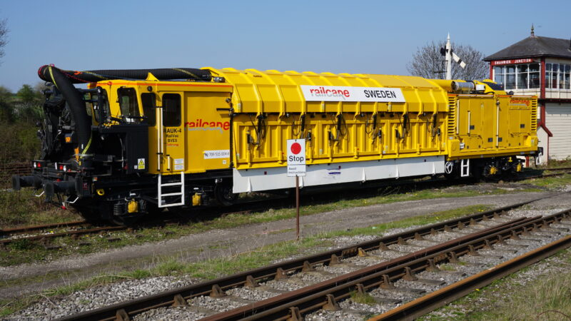 Railcare Railvac vacuum excavator ballast change